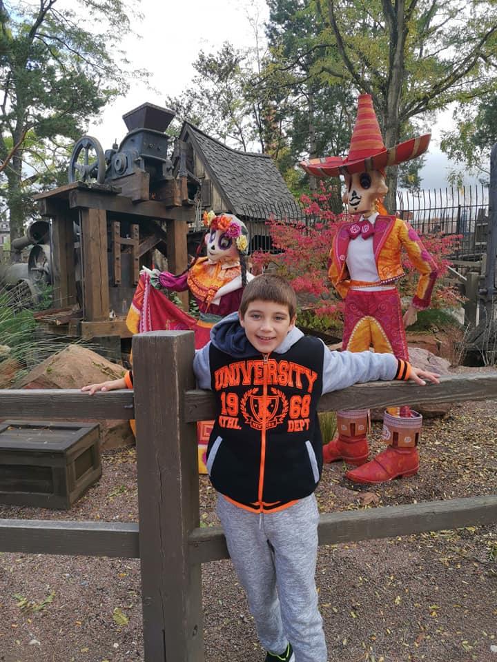 Disney du 3 au 4 octobre pour la saison d'halloween - Page 3 Disne240