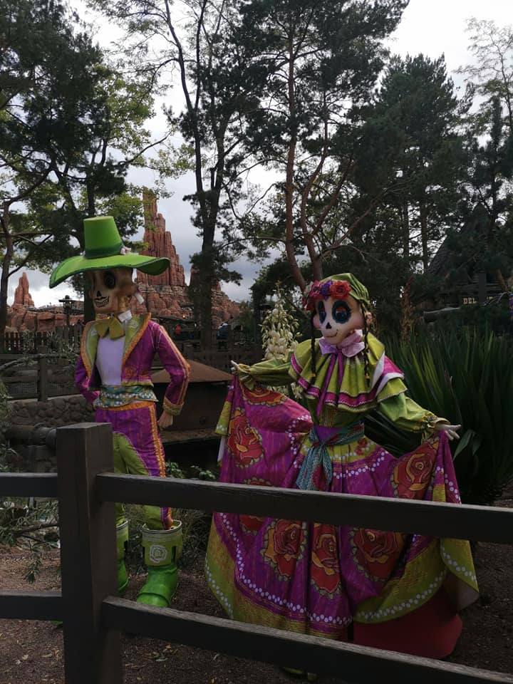 Disney du 3 au 4 octobre pour la saison d'halloween - Page 3 Disne242