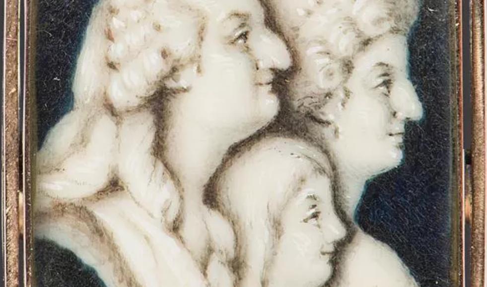 A vendre: miniatures de Marie Antoinette et de ses proches - Page 14 Tzolzo11