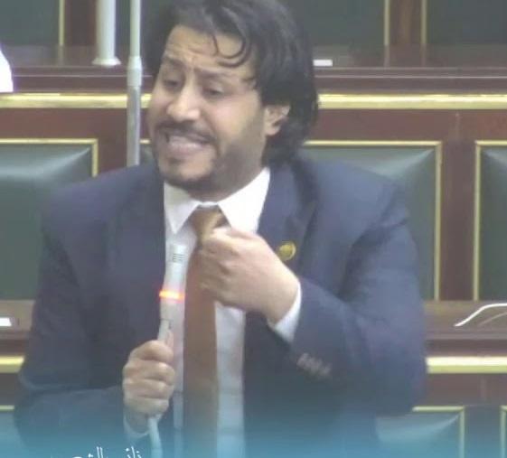 برلماني: كيف تكفل الدولة مجانية التعليم والوزير يرفع سعر الكتب لـ 650 جنيه 44117