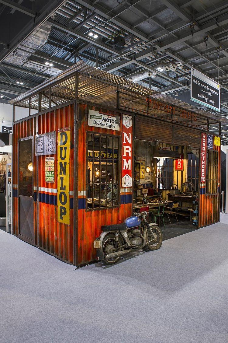 Les garages, les pièces mécaniques d'ici et d'ailleur.... - Page 33 Garage10