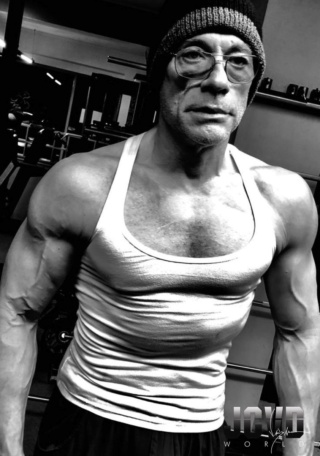 Jean Claude Van Damme.... - Page 3 Jcvd_512