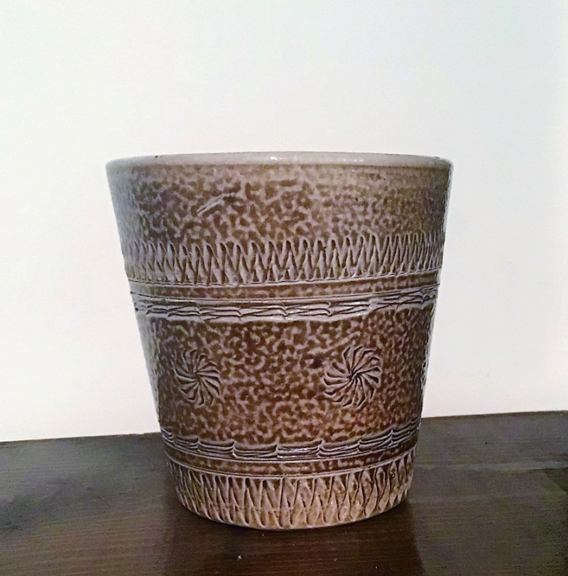 Unmarked Saltglazed Beaker - Scraffiti Decoration 710
