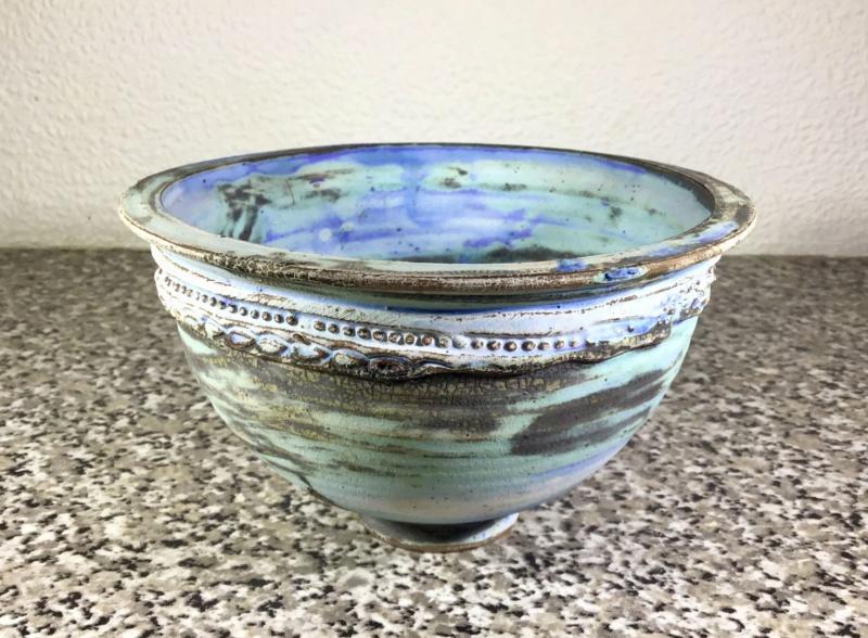 Matt glazed bowl cross inside circle with dot 8727d210