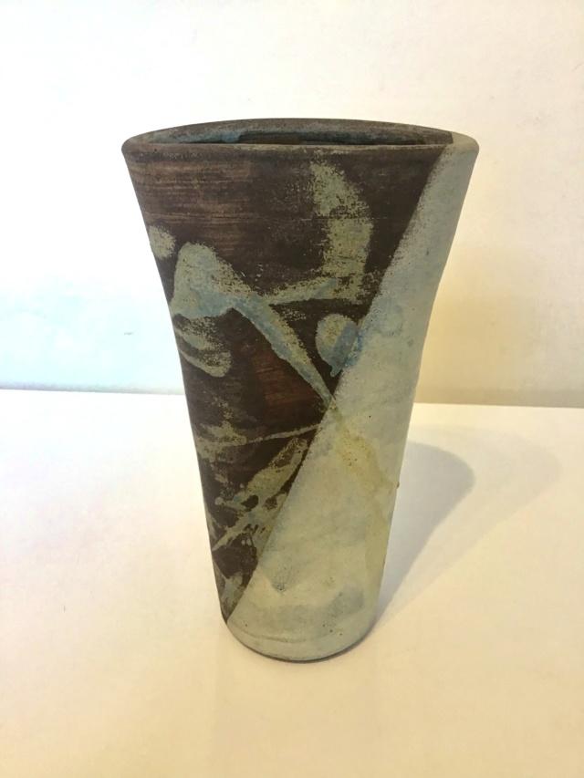 IB or bacw CB ?? Stoneware vase A3a8db10