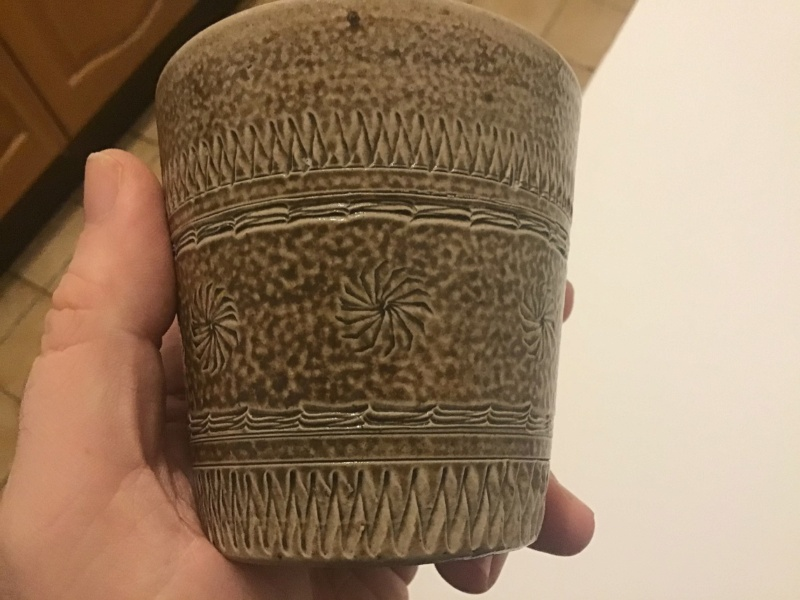 Unmarked Saltglazed Beaker - Scraffiti Decoration B1310