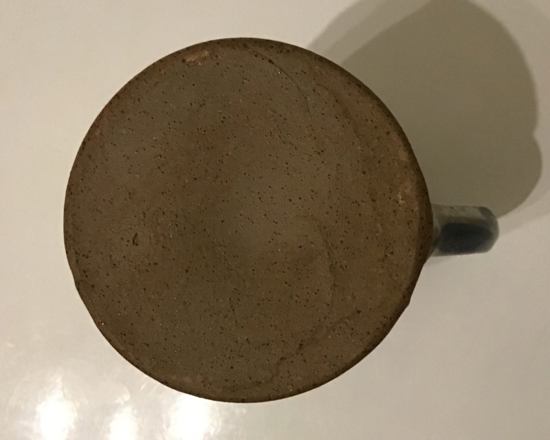 Unmarked jug interesting patternage C20dea10