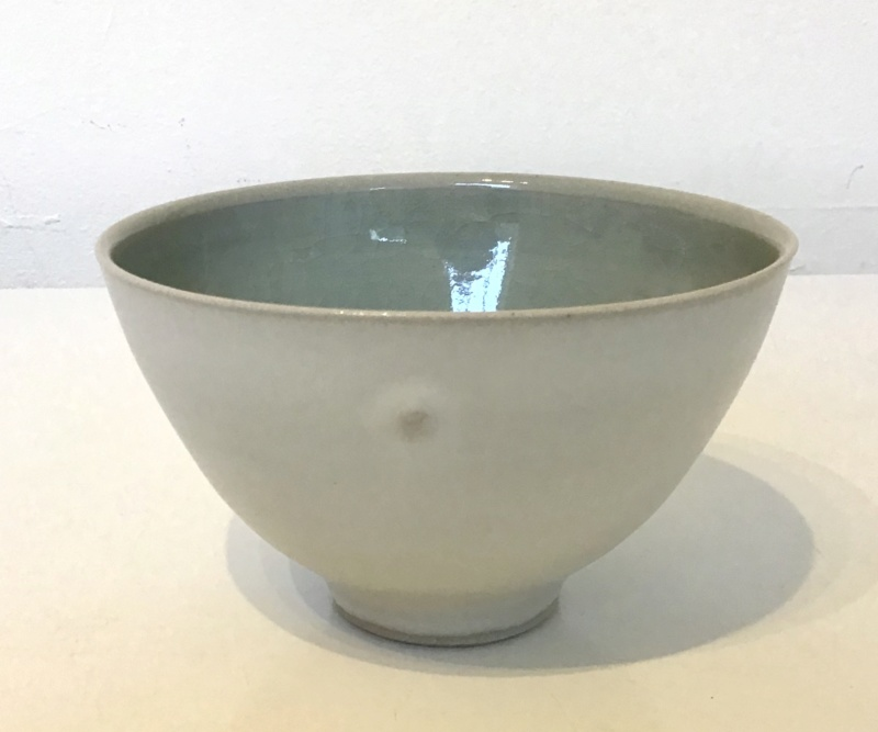 Unusual knobbly stunning teabowl - Hk mark - by Hyejeong Kim  E611f810