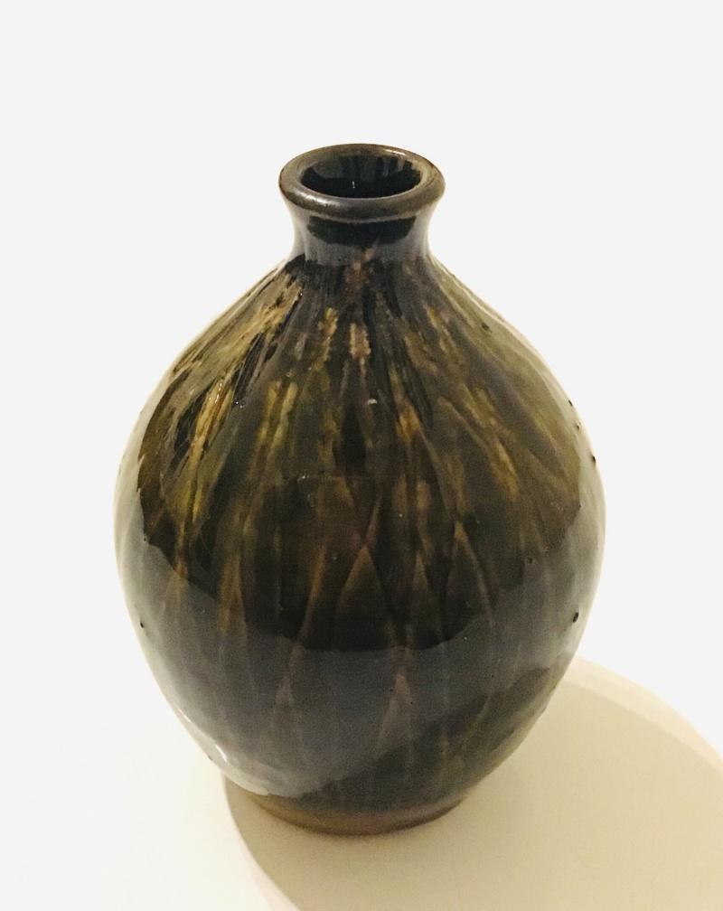 Scrafitti harlequin glazed bottle BF or fd mark . f backwards e or c Fb931e10