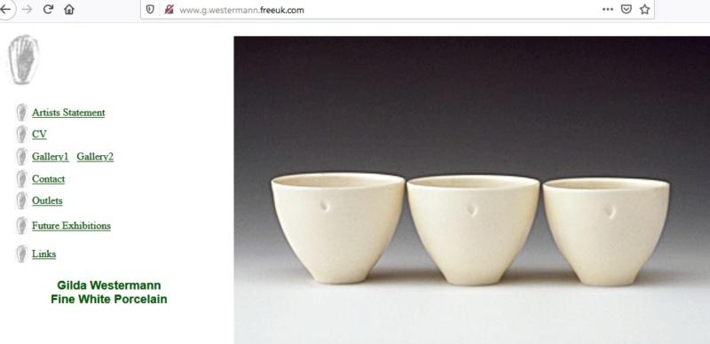 Shell Mark with Top Loop Porcelain Vase - Gilda Westermann, Devon Gweste10