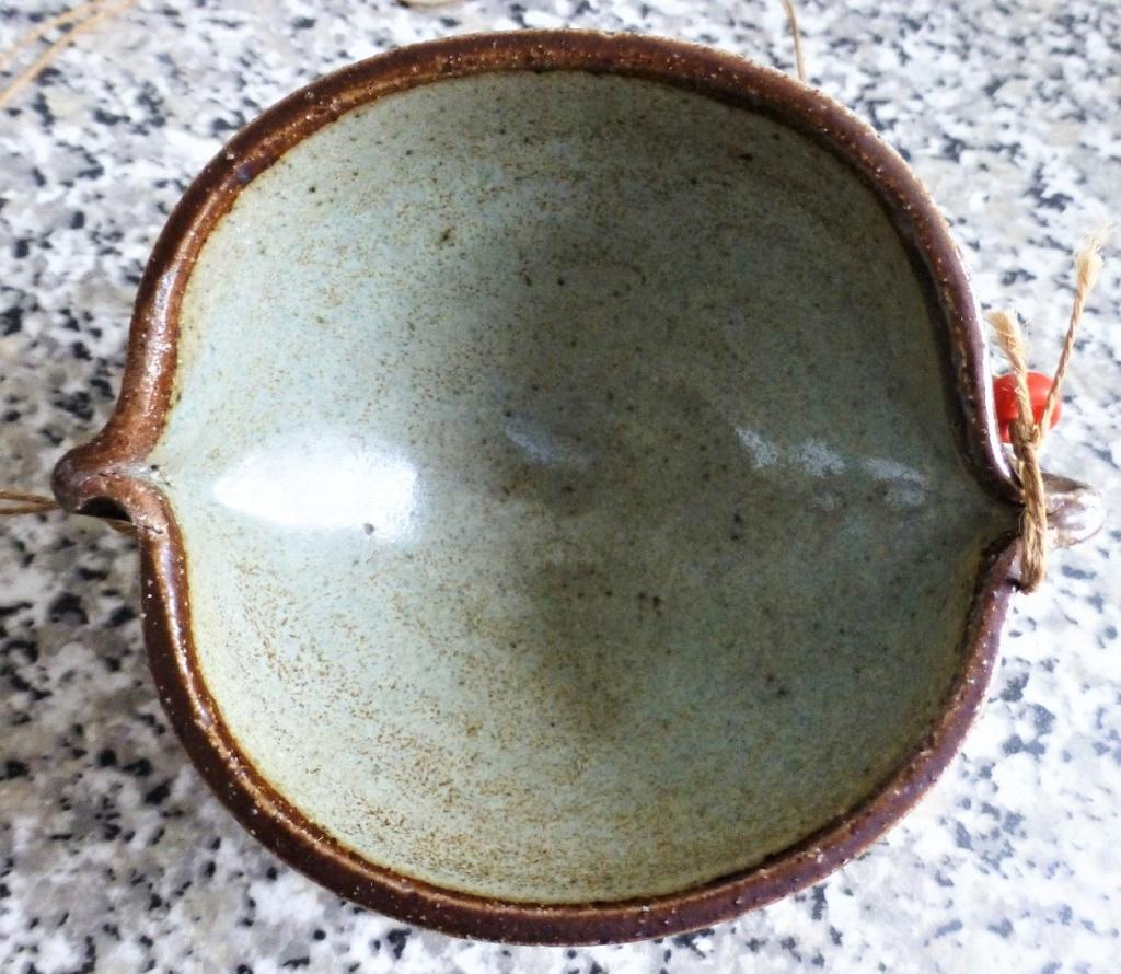 Unmarked Aztec Feel Saltglazed bowl thingymabob P1090921