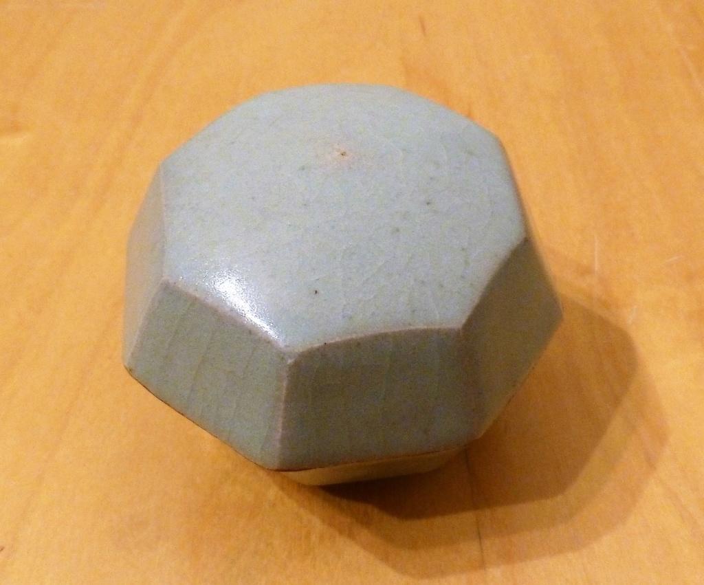Celadon Lidded Box DB? - probably by Beryl Debney, Yoxford Pottery P1100011