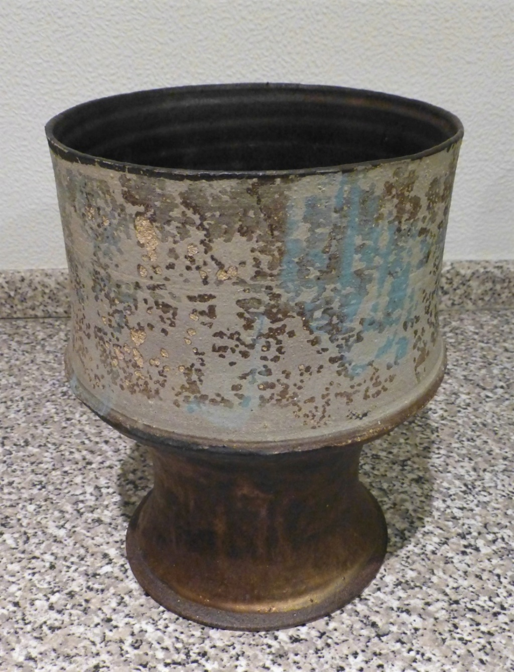 Speckled Pedestal bowl with Copper Lustre RMG?? P1130610