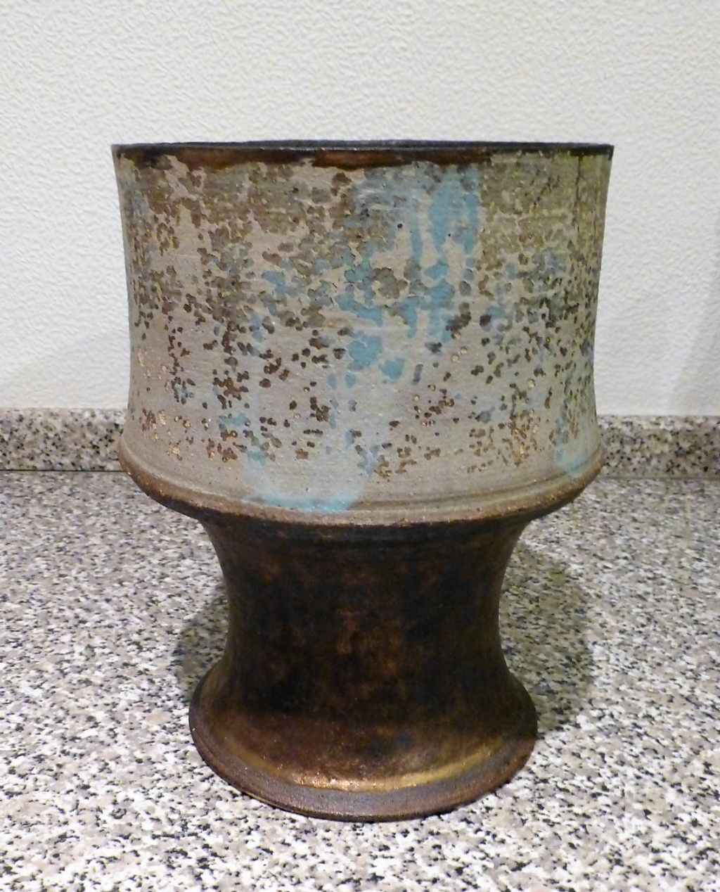 Speckled Pedestal bowl with Copper Lustre RMG?? P1130611