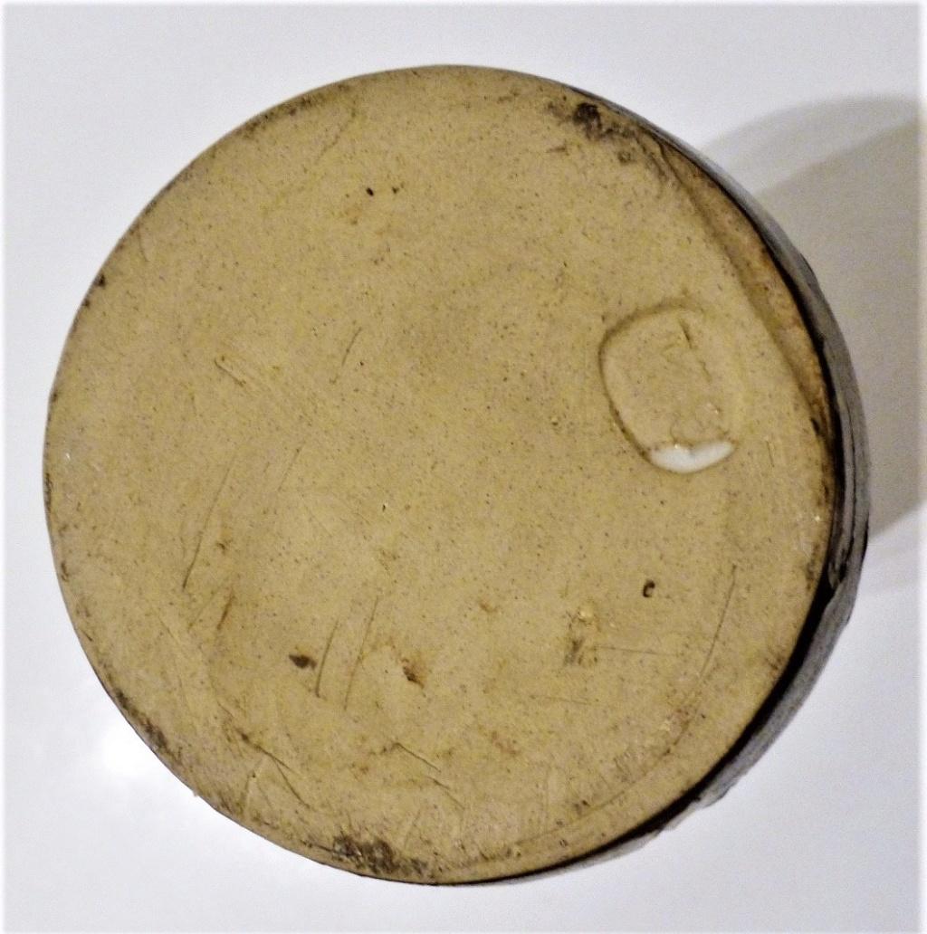Double Marked Scraffito Stoneware Vase - GK (Backwards K) mark? P1140313