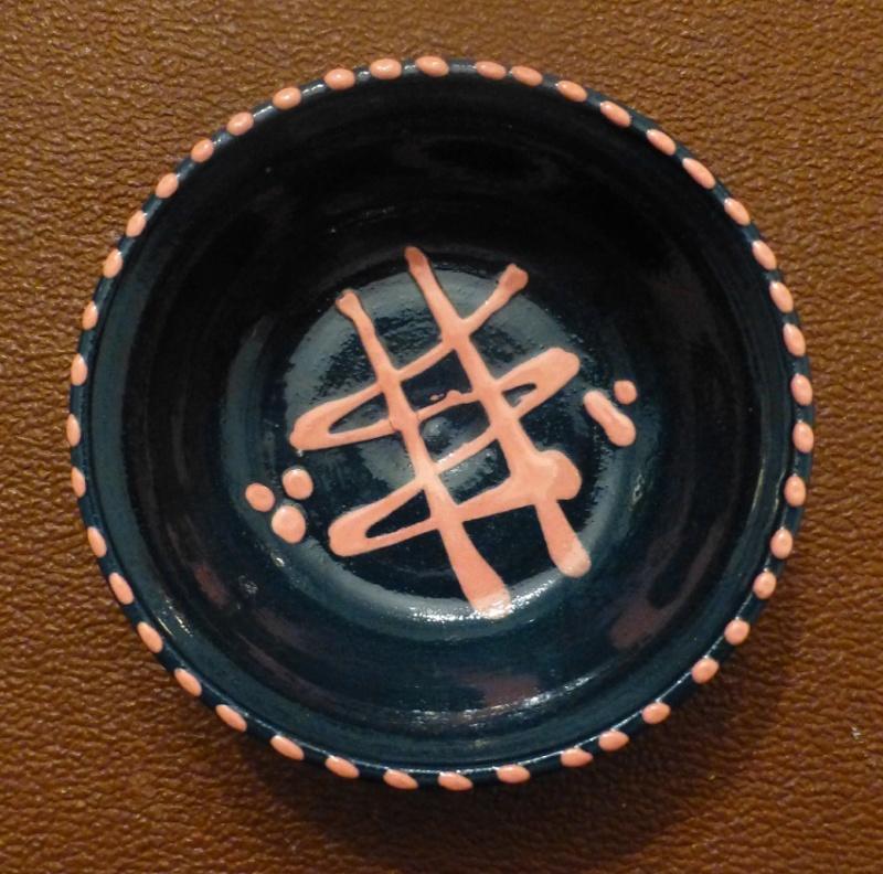 Slip Bowl Unmarked Pink on Blue... (Longshot) P1150912