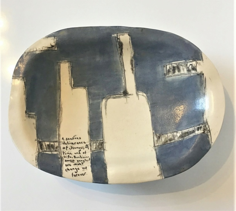 Unmarked Contemporary Dish on Legs with text. Unk110
