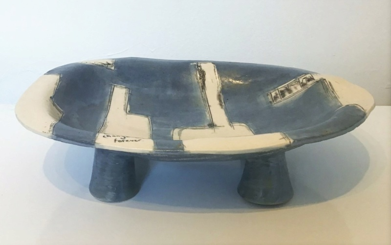 Unmarked Contemporary Dish on Legs with text. Unk510