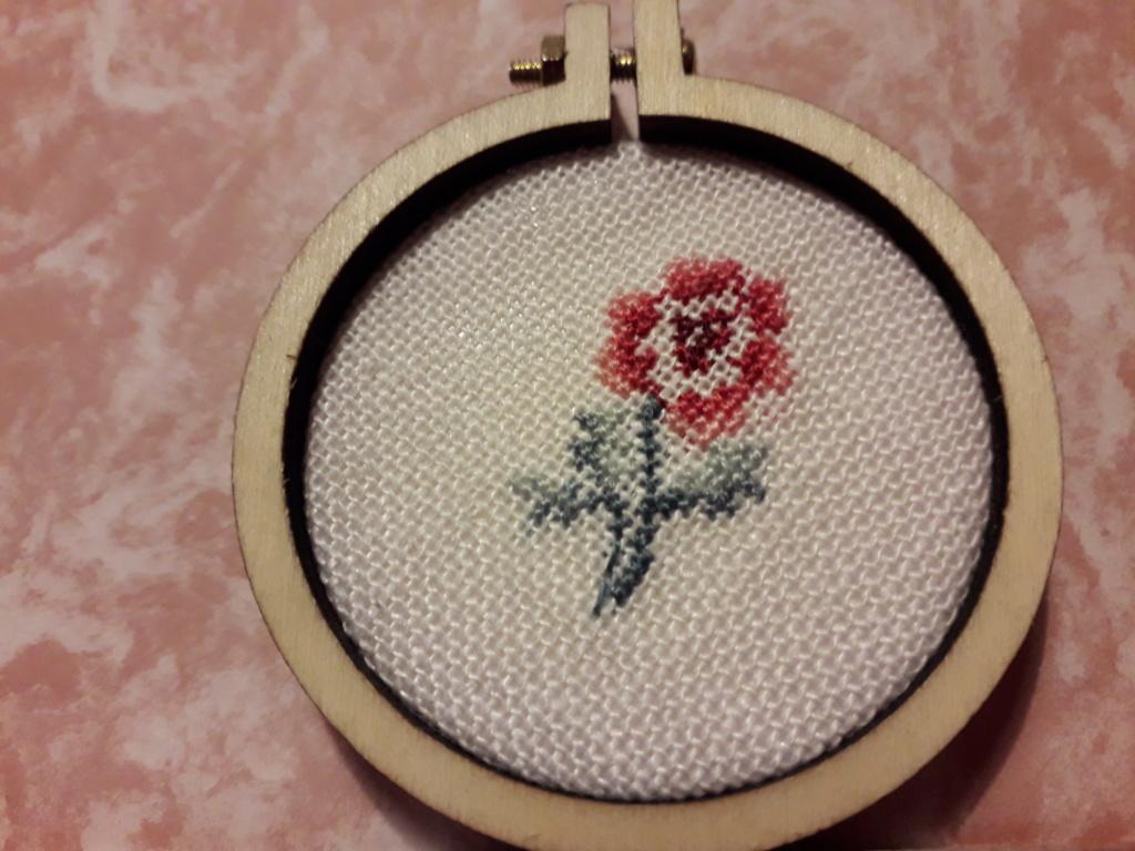 Une nouvelle Rose de Véronique Enginger Rose_u10