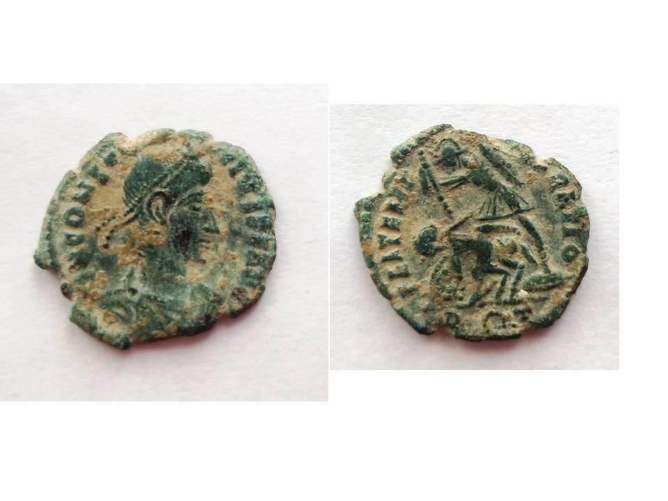 AE3 de Constancio II. FEL TEMP REPARATIO. Roma Presen25