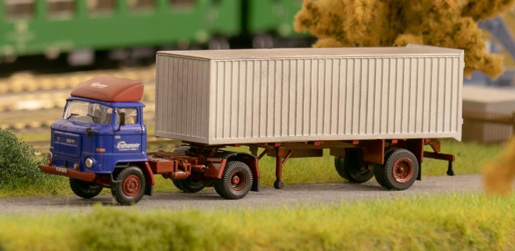 L60 Sattelzugmaschine mit Kofferauflieger Img_7213