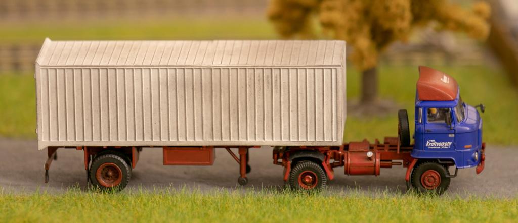 L60 Sattelzugmaschine mit Kofferauflieger Img_7214