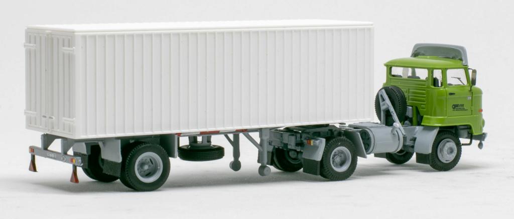 L60 Sattelzugmaschine mit Kofferauflieger Img_7647