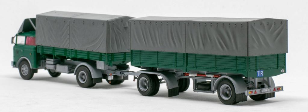 Verschiedene Skoda LIAZ Pritschenzug mit 2 und 3-achs-Anhänger Img_8111