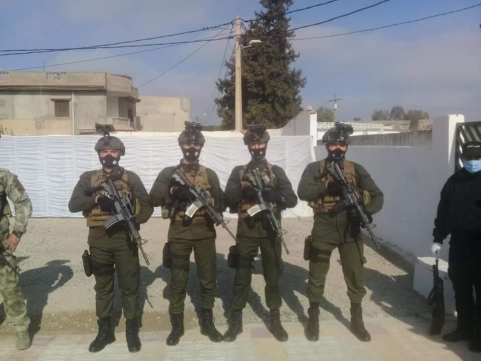Armée Tunisienne / Tunisian Armed Forces / القوات المسلحة التونسية - Page 28 Fb_img12