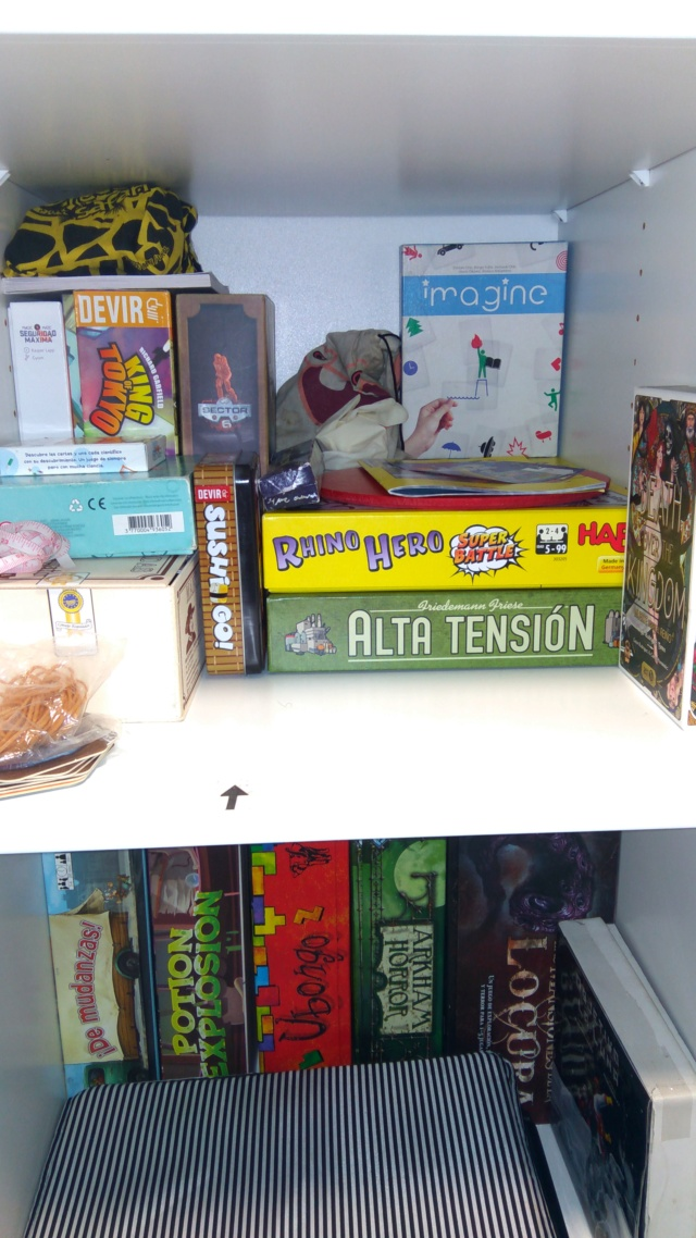 Mi pequeña coleccion de juegos de mesa Img-2027