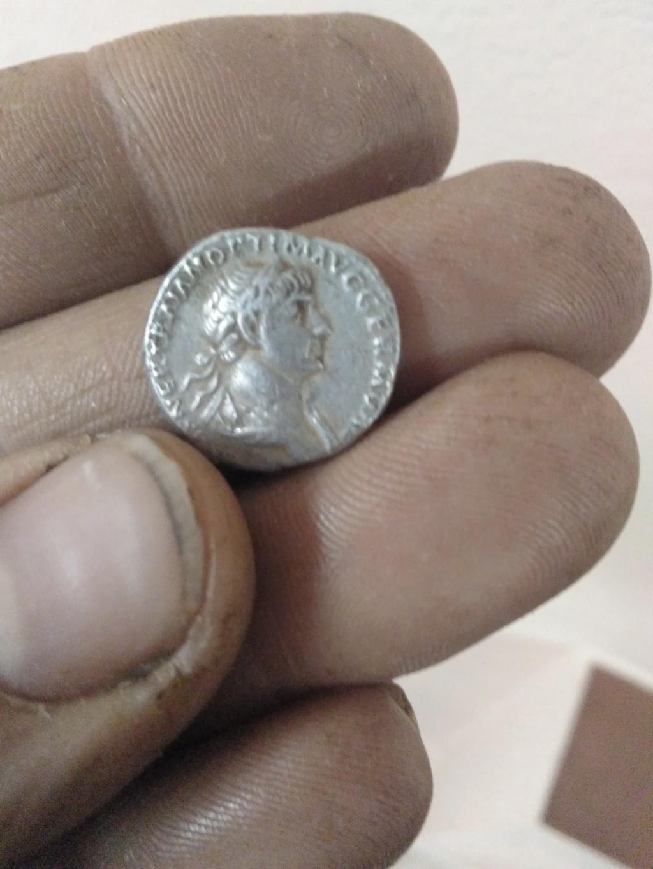 Denario de Trajano. PARTHICO  P M TR P COS VI P P S P Q R. Virtus estante a dcha. Roma. Img_2010