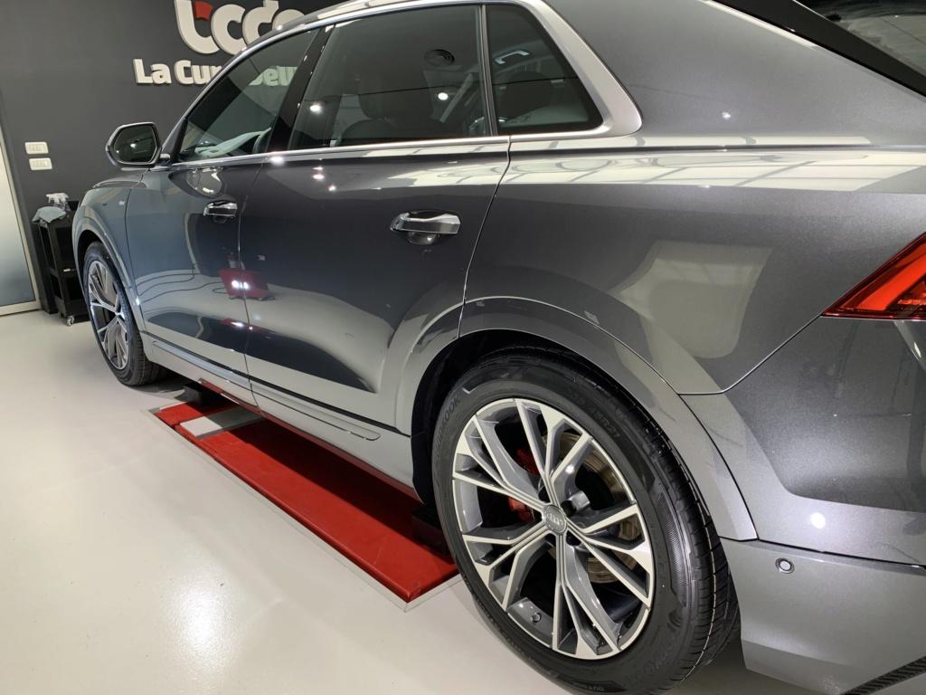 Admin&Bro vs Audi Q8 Img_3610