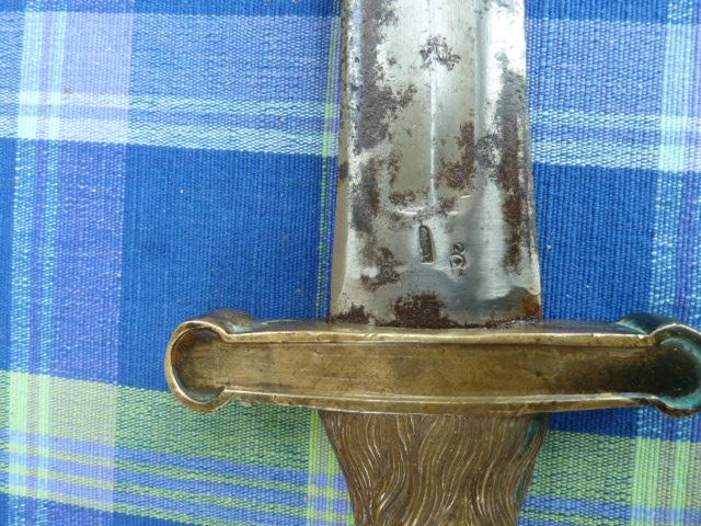 Un Glaive Intéressant P1040614