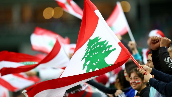 مشجع للأنصار اللبناني يقدم درساً مبهراً في الإنسانية والعطاء Oo10
