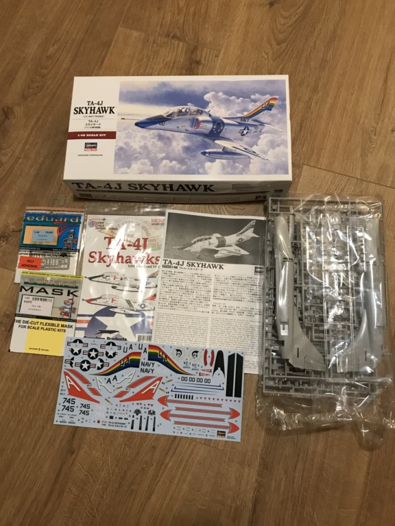 Douglas TA-4J Skyhawk - Hasegawa - 1/48 Img_5612