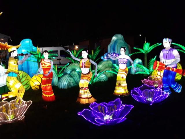 Festival lanternes chinoises à gaillac  - Page 6 Fa74b110