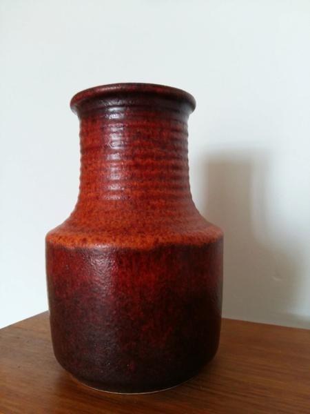 Scheurich? 16 cm Lava vase in dark red and orange, marked 4/16 20201126