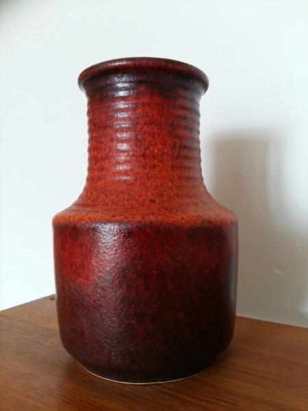 Scheurich? 16 cm Lava vase in dark red and orange, marked 4/16 20201127