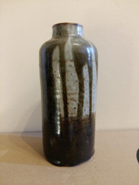 23 cm vase signed A.Fulton (?) 20201210