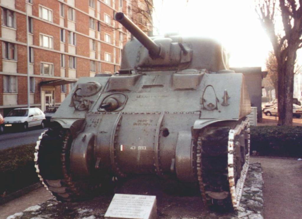 Chars et lieux de mémoire du 2e Cuirassiers 1944/45 04_dij10