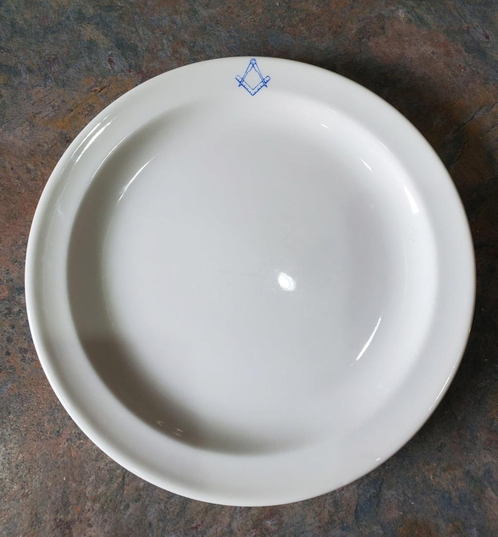 Hi is this Free Mason side plate Crown Lynn? thanks 20210920