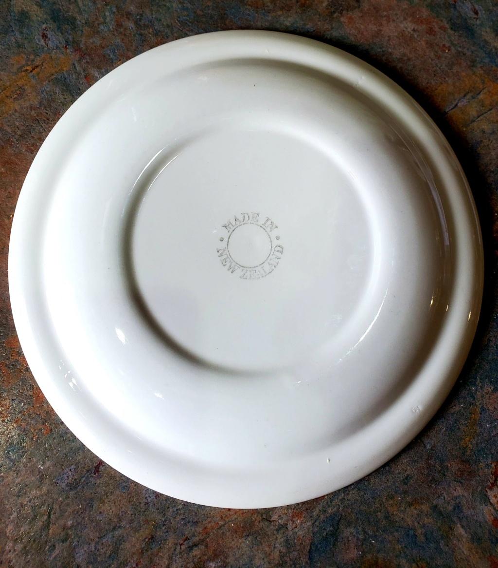 Hi is this Free Mason side plate Crown Lynn? thanks 20210921