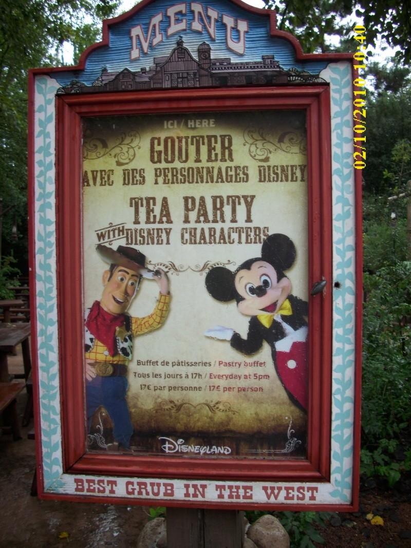 Halloween 2010 à Disneyland Paris (2 octobre au 1 Novembre) - Page 4 Dsci0025