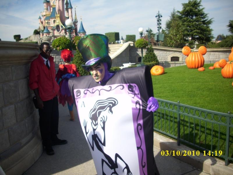 Halloween 2010 à Disneyland Paris (2 octobre au 1 Novembre) - Page 4 Dsci0114