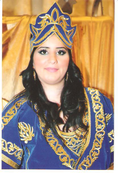 SOIR DU HENNE AVEC  LA KESOUA EL KBIRA (grande robe en arabe) - Page 2 Ossy_411