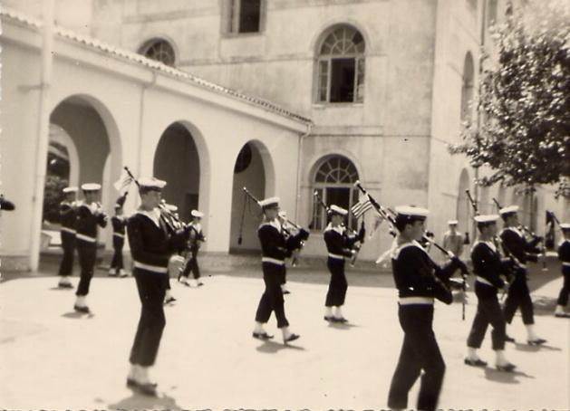 [La musique dans la Marine] Les fanfares des écoles... - Page 1 Gem_ba10