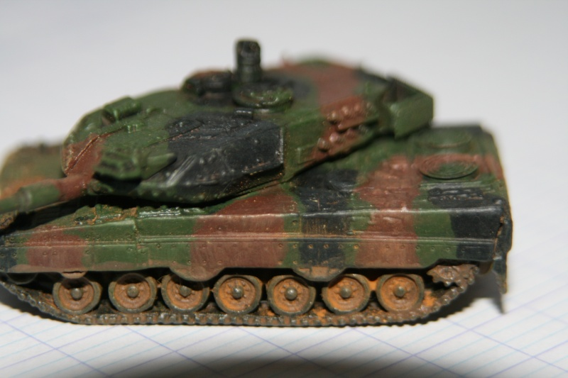 Leopard 2A4 1/144 Img_1021
