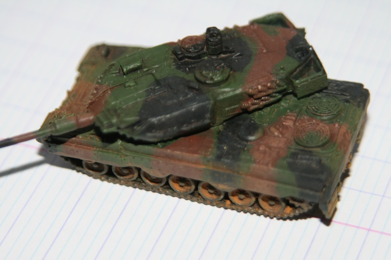 Leopard 2A4 1/144 Img_1027