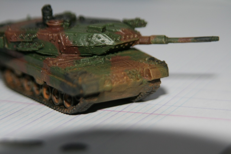 Leopard 2A4 1/144 Img_1033