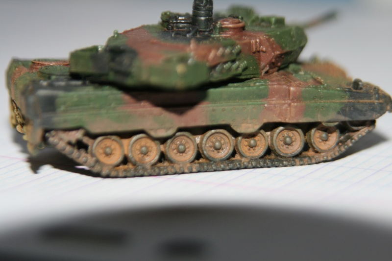 Leopard 2A4 1/144 Img_1034